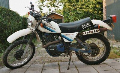 Suzuki DR 400 S