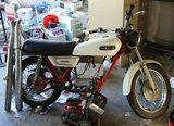 Yamaha R 5